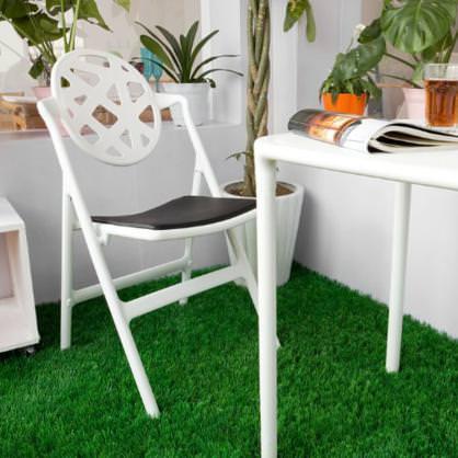 sedie pieghevoli bianche
